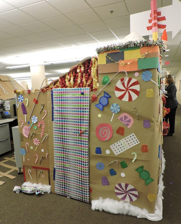 Amy Ryanu0027s Gift Wrapped Cubicle Door, Complete With Bell And Candy Cane  Handle.